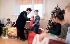 Mikołajkowe spotkanie premier z podopiecznymi Placówki Opiekuńczo-Wychowawczej w Kętach