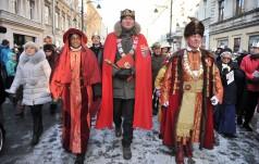 Kolorowy Orszak Trzech Króli przeszedł ulicą Piotrkowską