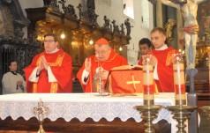 Kard. Duka podarował relikwie św. Wacława