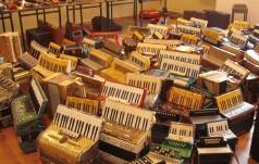 Tajemnice dawnych akordeonów – wystawa w GOK w Mstowie