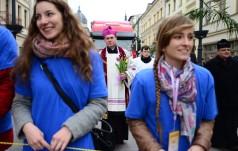"""""""Wielkie rzeczy uczynił mi Wszechmocny"""" – w diecezjach odbył się Światowy Dzień Młodzieży"""
