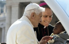 Benedykt XVI o kard. Sarahu: liturgia Kościoła jest w dobrych rękach