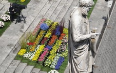 Kwiecisty ogród na placu św. Piotra