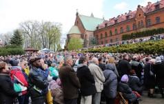 Kraków-Łagiewniki: 150 tys. pielgrzymów z całego świata na Święcie Bożego Miłosierdzia