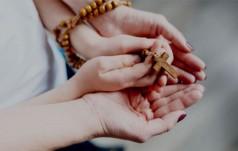 Chile: katolicy chcą ofiarować papieżowi 1 mln modlitw różańcowych