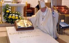"""Kard. Dziwisz: """"Święty Jan Paweł II był opatrznościowym darem dla współczesnego Kościoła i świata"""""""