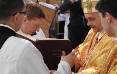 Bielsko-Biała: syn premier Beaty Szydło wśród 13 nowych kapłanów