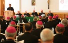 Episkopat o duszpasterstwie młodzieży, rodzin i obchodach 100-lecia niepodległości