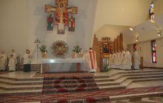 Abp Nowak do kapłanów: Kapłaństwo musi być radykalne i być do końca