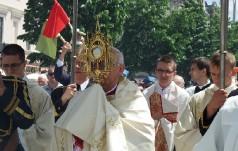 Abp Depo na Bożym Ciele: obecność Chrystusa jest potrzebna człowiekowi