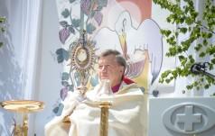 Wrocław: w całej archidiecezji odbędzie się modlitwa i adoracje o pokój na świecie