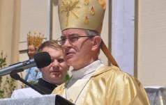 Bp Jan Wątroba: Eucharystia jest sakramentem sensu
