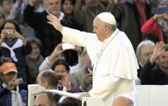 Franciszek: Jezus nie odwraca się od nas w trudnych doświadczeniach życia