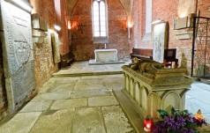 Skupienie u grobu księżnej Anny