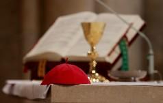 Polscy biskupi: potrzeba modlitwy za Ojczyznę i obrony wartości chrześcijańskich