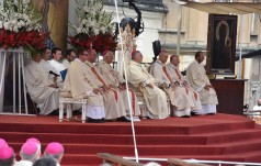 Jasna Góra: Msza św. dziękczynna jubileuszu 300-lecia koronacji Obrazu Matki Bożej