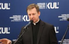 """Rzecznik KEP: Zarzut o. Wiśniewskiego, że """"biskupi milczą"""" - bezpodstawnym oskarżeniem i krzywdzącym nadużyciem"""