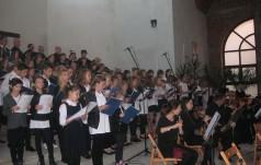 """Pop-oratorium """"O Bożym Miłosierdziu"""" w parafii, św. Barbary w Wieluniu"""