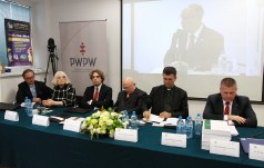 """Łódź: Międzynarodowy Kongres Europa Christi pod hasłem """"Otwórzcie drzwi Chrystusowi"""""""