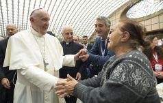 Papież zjadł obiad z ubogimi