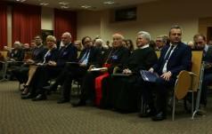Kard. Grocholewski w Toruniu: Kościół sprzeciwia się perfidnej ingerencji w suwerenność narodów