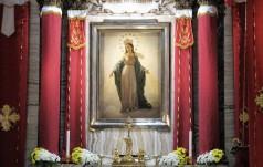 """Papież: Maryjo, pomóż nam rozwinąć """"przeciwciała"""" na wirusy naszych czasów"""