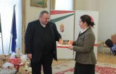 Polsko-węgierskie paczki dla dzieci w Iraku