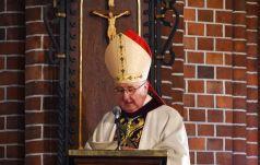 Bp Kamiński w czasie ingresu: Przychodzę by służyć ludowi Bożemu