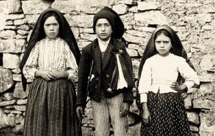 #NiezbędnikRóżańcowy: Różaniec święty w objawieniach maryjnych – Fatima