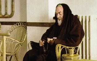Relacje między dwoma XX-wiecznymi świętymi mistykami:...
