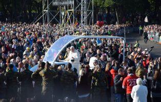 Kowno: ponad 100 tys. wiernych na Mszy św. pod...