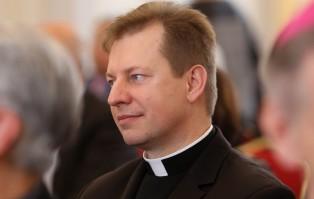 Rzecznik Episkopatu: abp Lenga nie reprezentuje Kościoła...