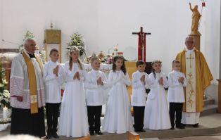1662a15afb 2019-05-25   Pierwsza Komunia Święta i Biały Tydzień w Parafii św. Barbary  w Wieluniu
