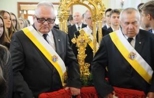 Bp Przybylski: Krzyż jest lekarstwem