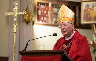 Abp Ziółek: brońmy krzyża, który jest...