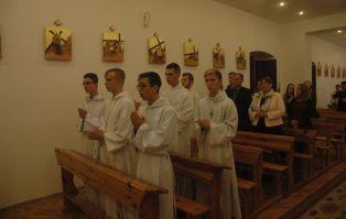 Nowi cremoniarze Liturgicznej Służby Ołtarza w...