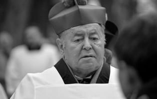 Gniezno: zmarł bp Bogdan Wojtuś