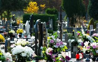 Premier: cmentarze w najbliższych dniach zamknięte