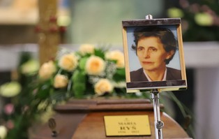 Łódź: Uroczystości pogrzebowe śp. Mamy Arcybiskupa...
