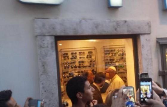 Papież u optyka