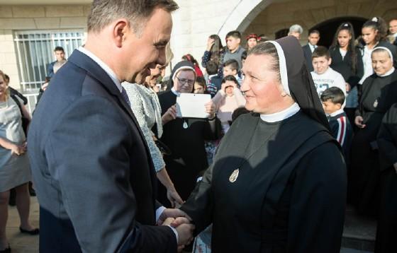 Prezydent  odznaczył polską misjonarkę