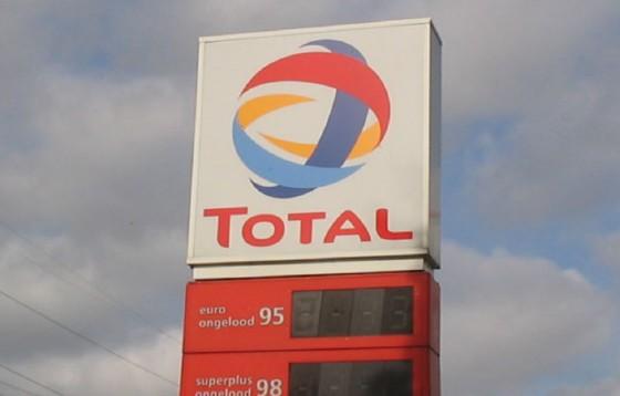 Koncern paliwowy Total opublikował poradnik w sprawach religijnych