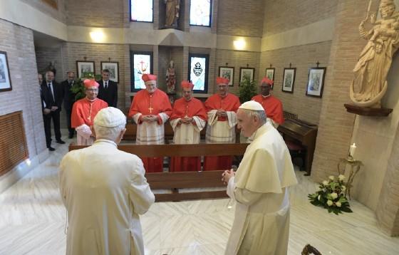 Franciszek z nowymi kardynałami <br>odwiedzili Benedykta XVI