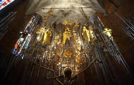 W bazylice św. Brygidy został odsłonięty i poświęcony Bursztynowy Ołtarz Ojczyzny