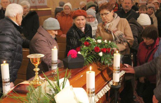 Eksporta ciała ks. prał Stanisława Pasyka do kościoła św. Józefa w Świdnicy