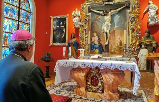 Eucharystia w prywatnej kaplicy abp Kupnego