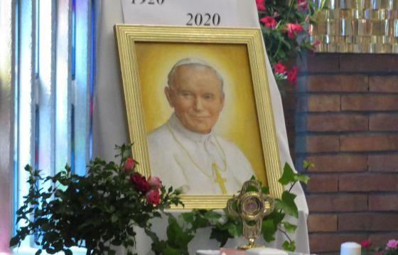 Relikwie św. Jana Pawła II w parafii Dzieciątka Jezus na Żoliborzu