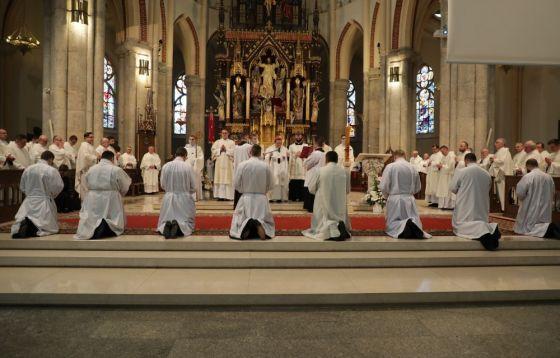 Święcenia diakonatu w łódzkiej Katedrze w fotorelacji Łukasza Głowackiego