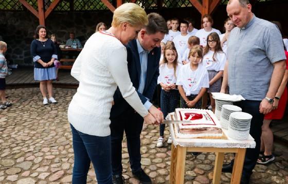 Pierwsza Dama z wizytą w domu Katolickiego Stowarzyszenia Młodzieży