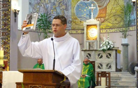 Msza św. jubileuszowa i prezentacja księgi pamiątkowej